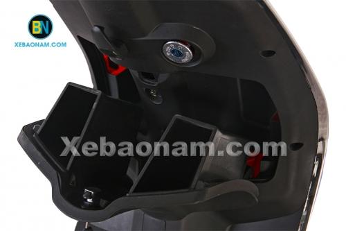 Hướng dẫn sử dụng cốp trước của xe máy điện Vespa Nioshima Byvin 2017