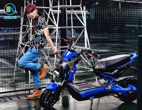 Album ca sĩ Sơn Tùng MTV trải nghiệm xe máy điện Xe Bảo Nam