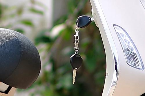 Hướng dẫn sử dụng khóa điện tử xe điện Vespa 2017