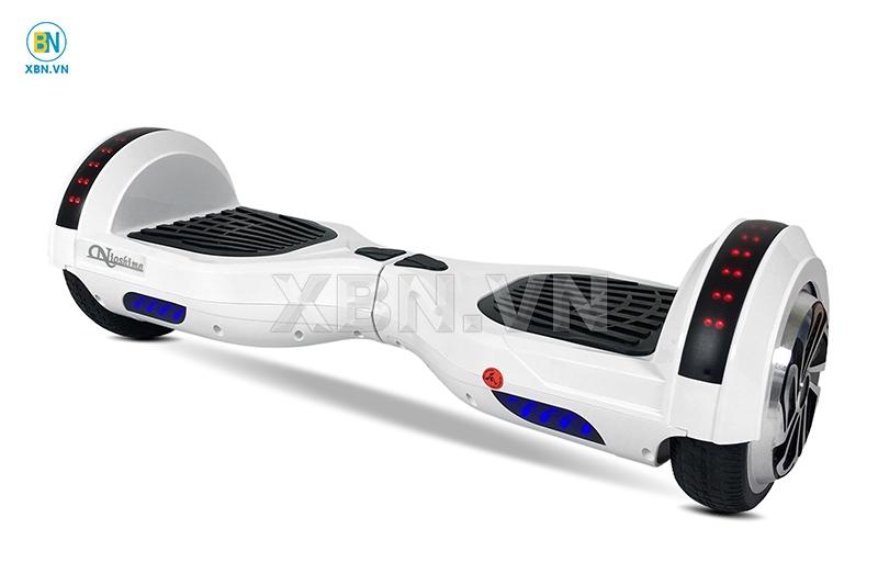 Xe điện cân bằng R66 Nio 0165
