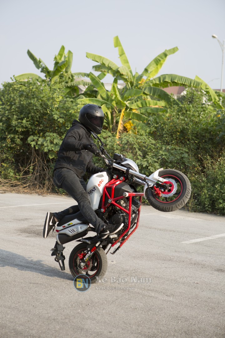 ducati-mini-monster-110-boc-dau-9