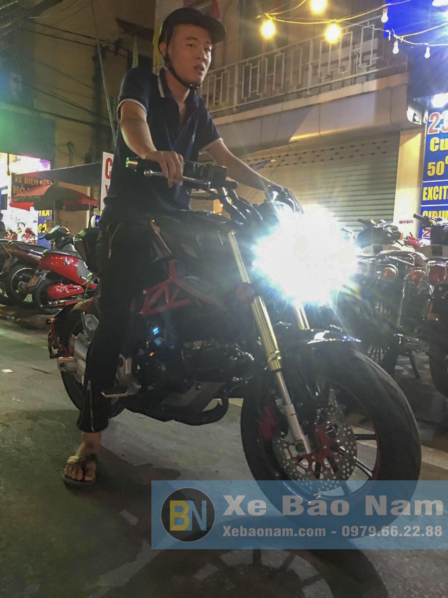 khach-hang-mua-mv-agusta-mini-u1-110cc-5