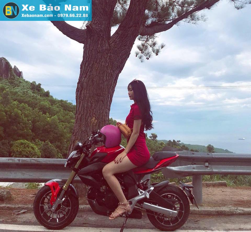 mv-agusta-mini-u1-110cc-khach-hang-nu-1