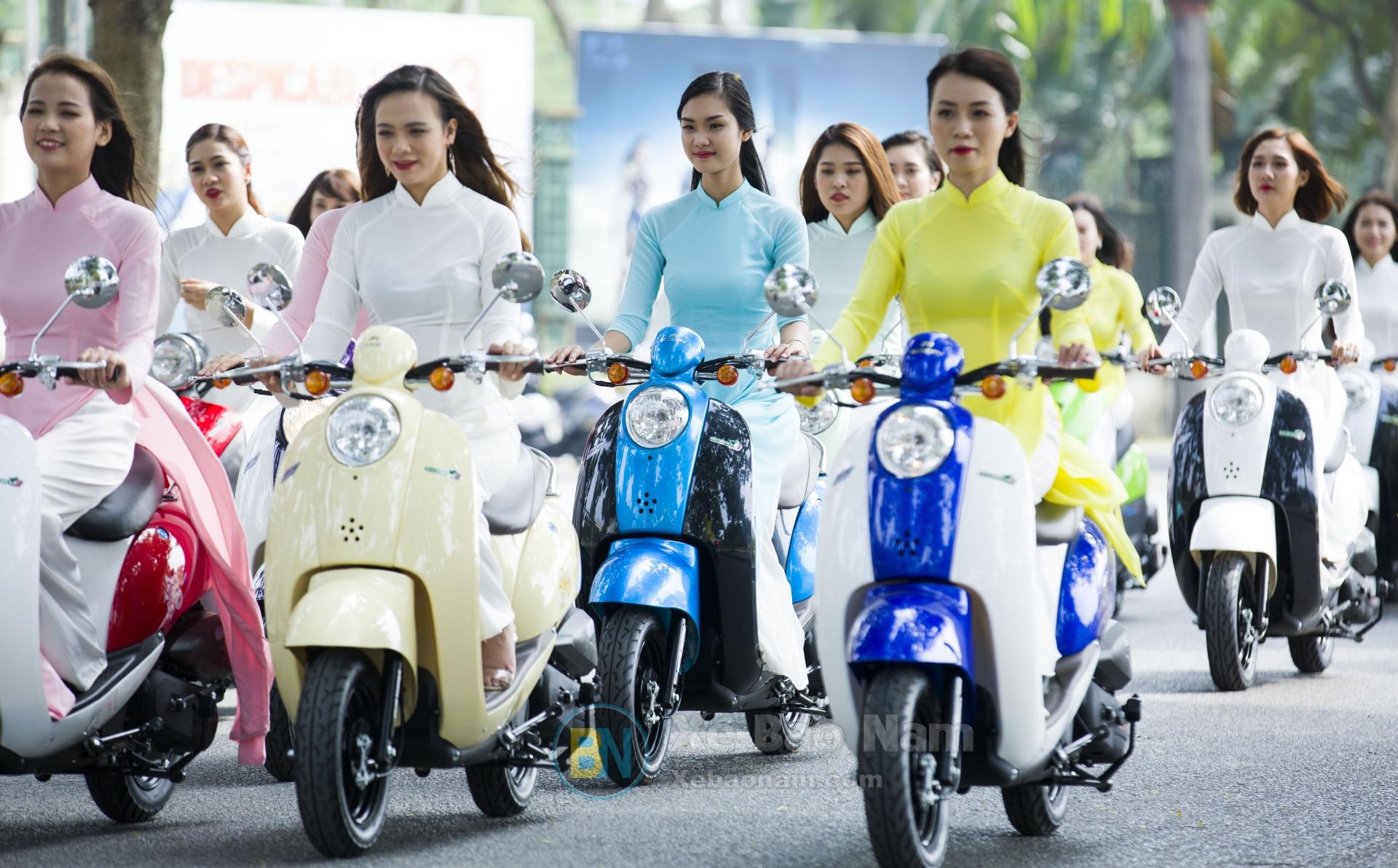 xe-ga-50cc-scoopy-mau-xanh-duong-xebaonam2