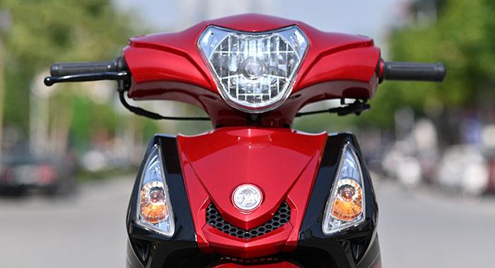 Mặt trước xe máy 50cc elegant sym