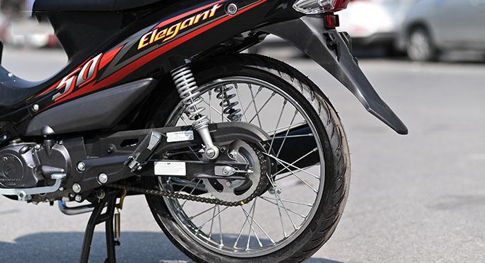 Bánh sau và giảm sóc xe máy 50cc elegant sym