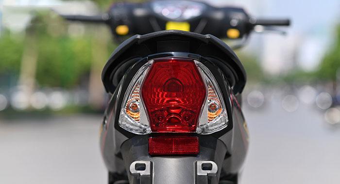 Cụm đèn hậu xe máy 50cc elegant sym