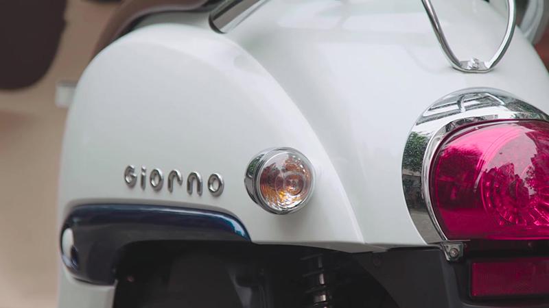 Đuôi xe ga 50cc giorno tem nổi