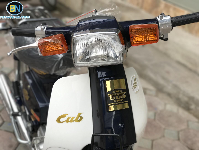 Đèn xe cub 82