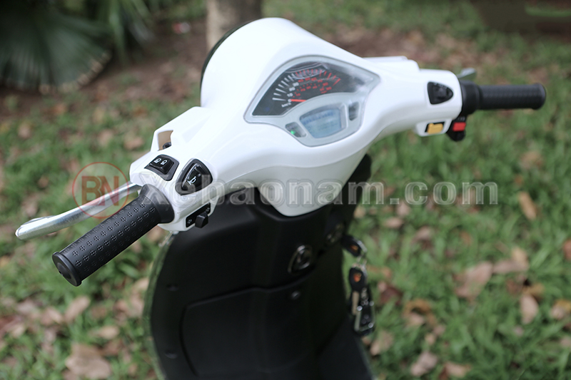 Đồng hồ xe máy điện Vespa Nioshima X