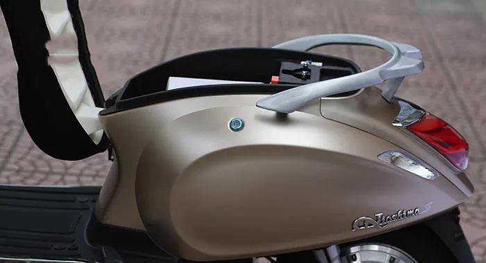 Cốp xe máy điện vespa nioshima s