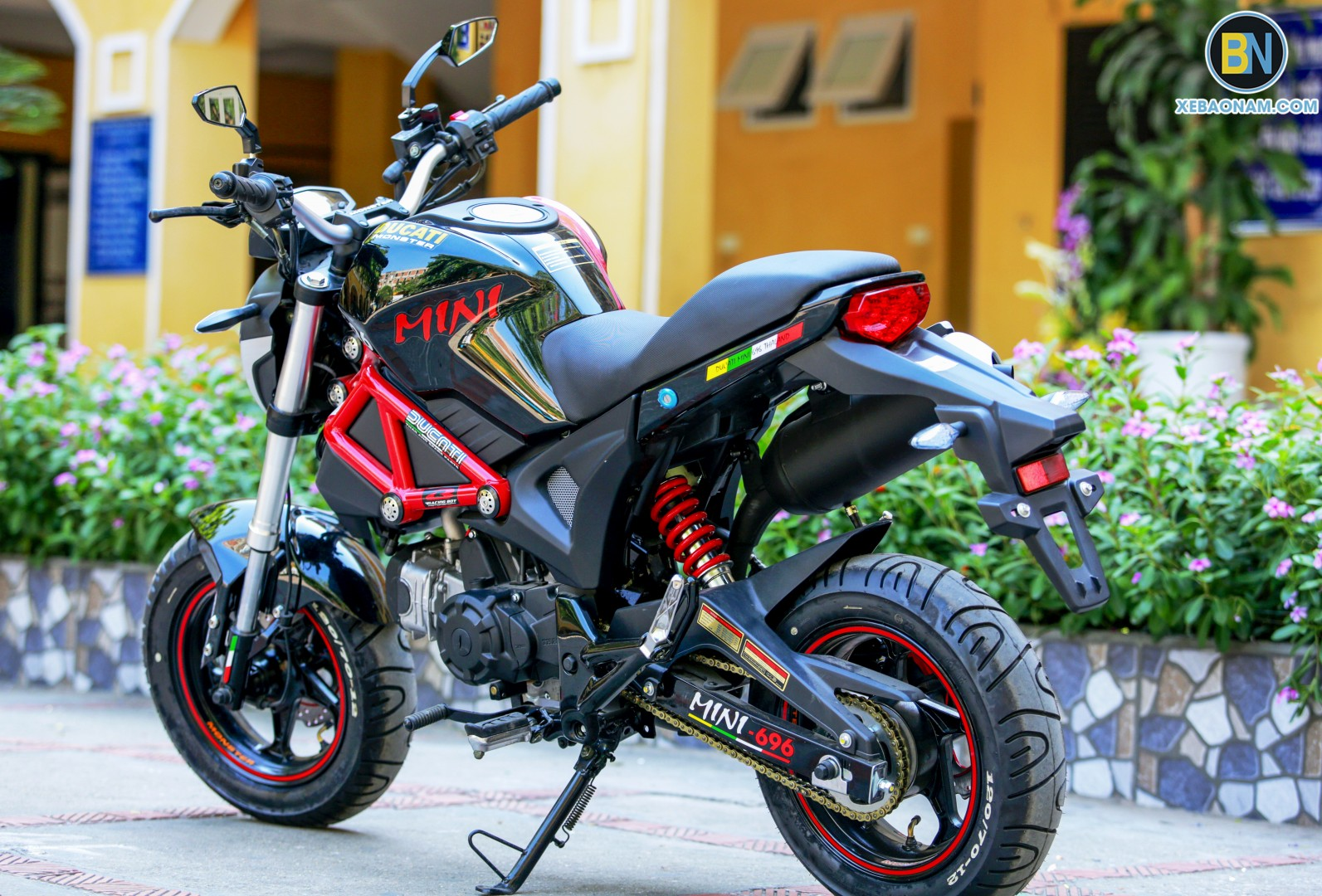 xe-may-ducati-mini-monster-110-xebaonam(30)