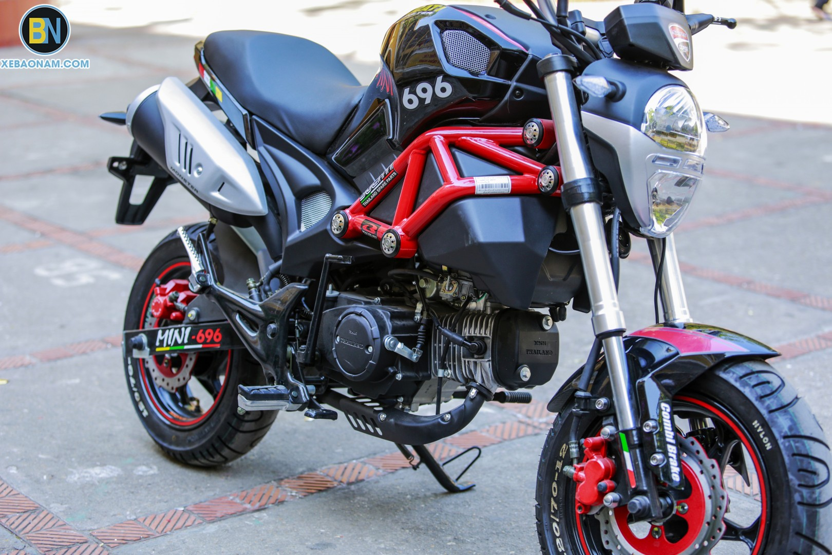 xe-may-ducati-mini-monster-110-xebaonam(5)