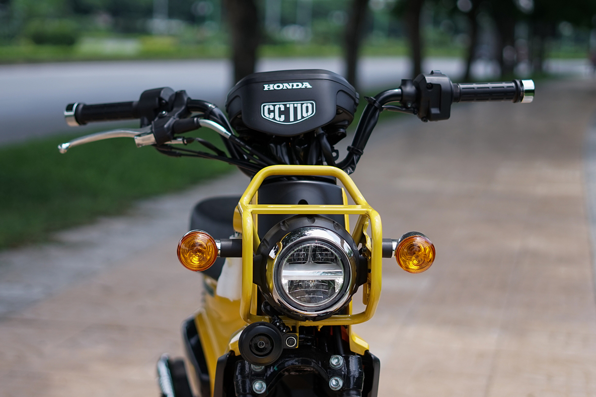 xe-may-honda-cub-cross-110cc-mau-vang-4