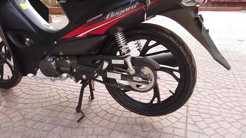 Bánh sau xe máy 50cc sym elegant vành đúc