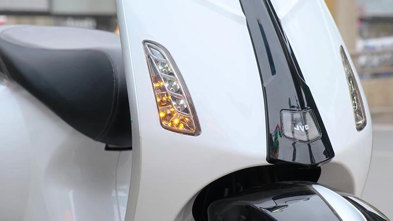 Đèn led xe tay ga 50cc jvc eco