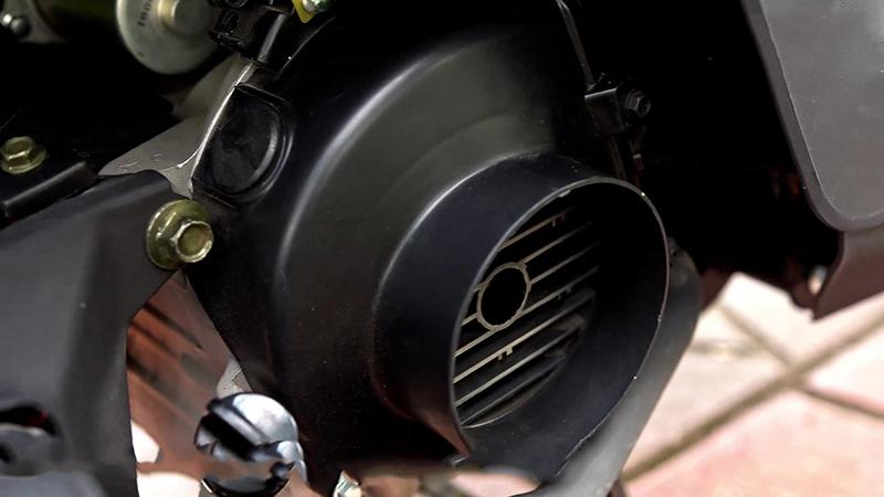 Động cơ mạnh mẽ xe tay ga 50cc tact