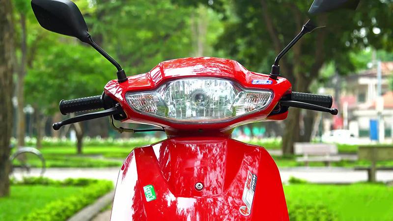 Mặt trước xe tay ga 50cc tact nhập khẩu