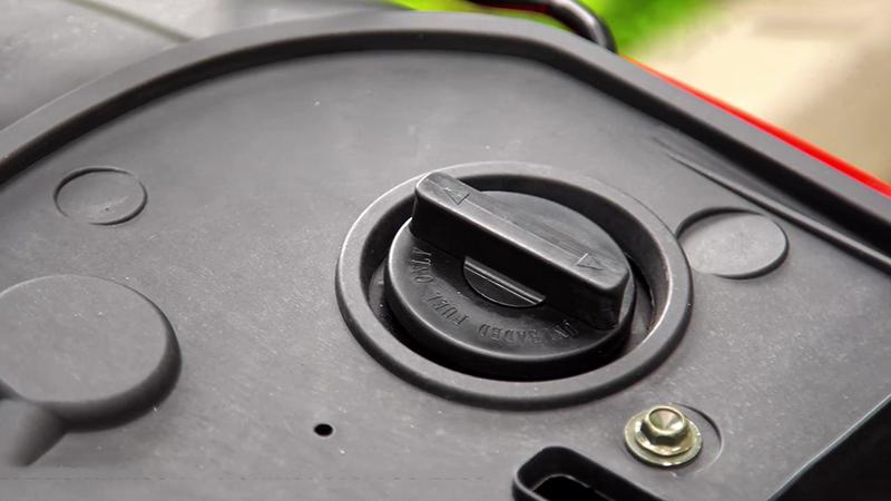 Bình xăng phía sau xe tay ga 50cc tact nhập khẩu