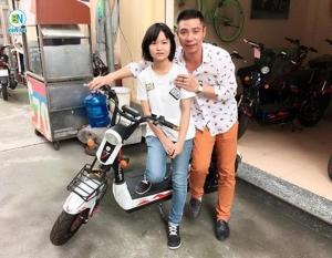 Nghệ sỹ - Diễn viên Công lý mua xe máy điện M133 cho con gái lớn