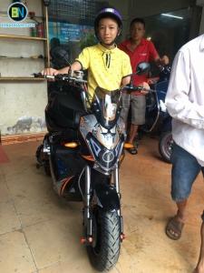 Hình ảnh Khách hàng mua xe máy điện Xmen Fast 8