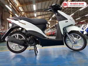 Xe ga 50cc Passing SYM mới nhất màu trắng