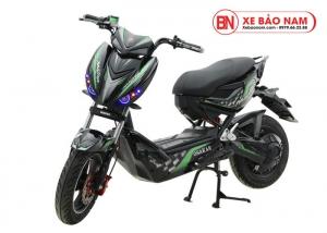 Xe máy điện Xmen Hunter Osakar màu đen tem xanh lá cây