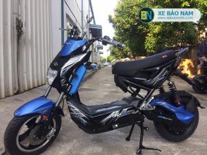 Xe máy điện Xmen Nijia GTS màu xanh