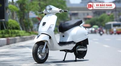 Xe máy điện Vespa Nijia 2019 màu trắng khoá smart key